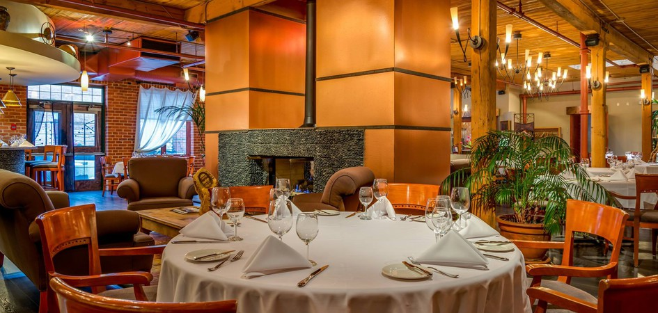 Characters fine dining edmonton tourism for Best private dining rooms edmonton